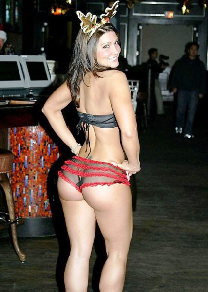 Gina-Carano-Ass-Christmas