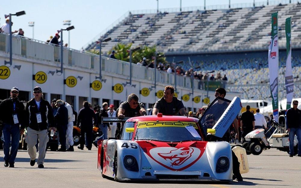 Η ομάδα  Flying Lizard ξεκινά 1η στην Daytona
