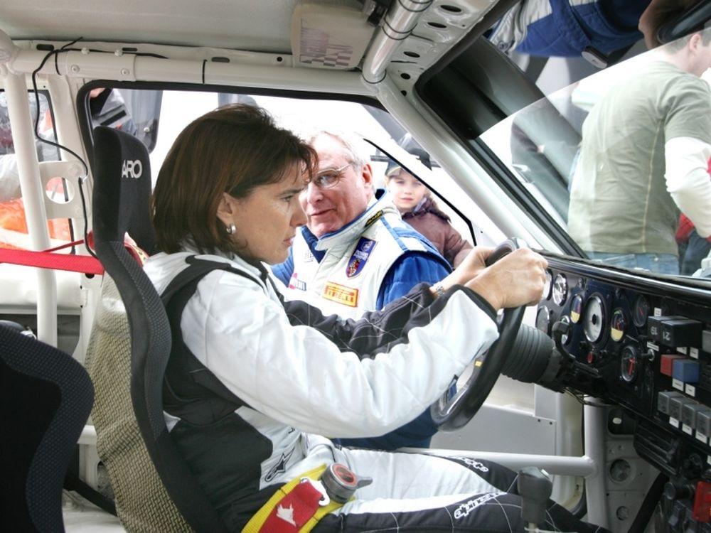 Η Μουτόν σε ρόλο manager για το WRC