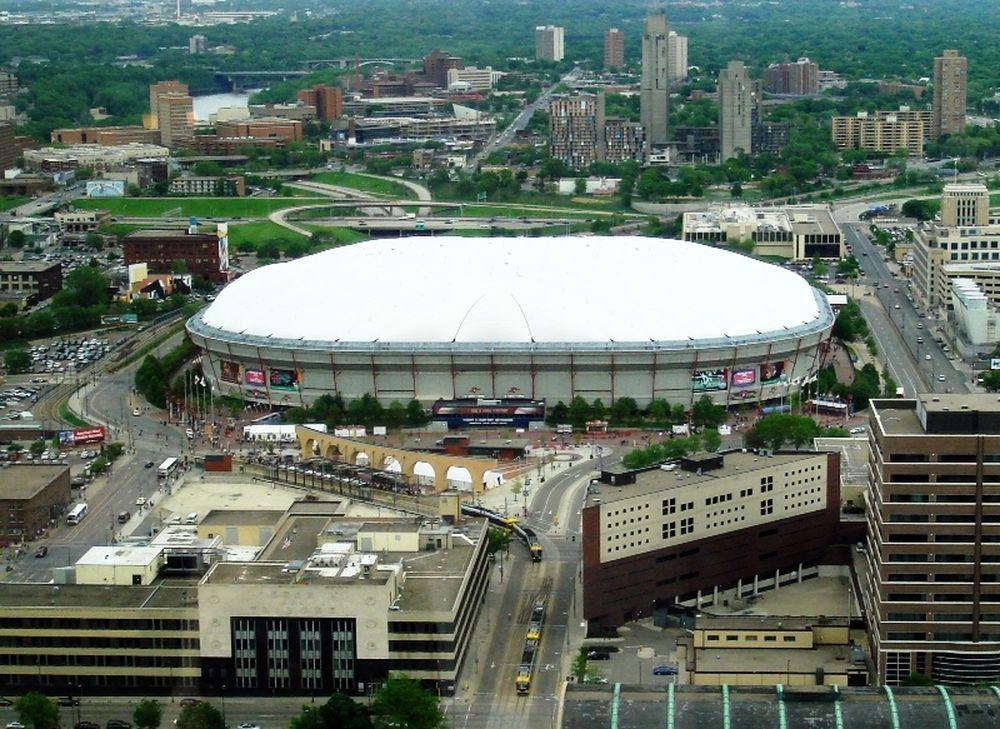 Νέα οροφή στο Metrodome