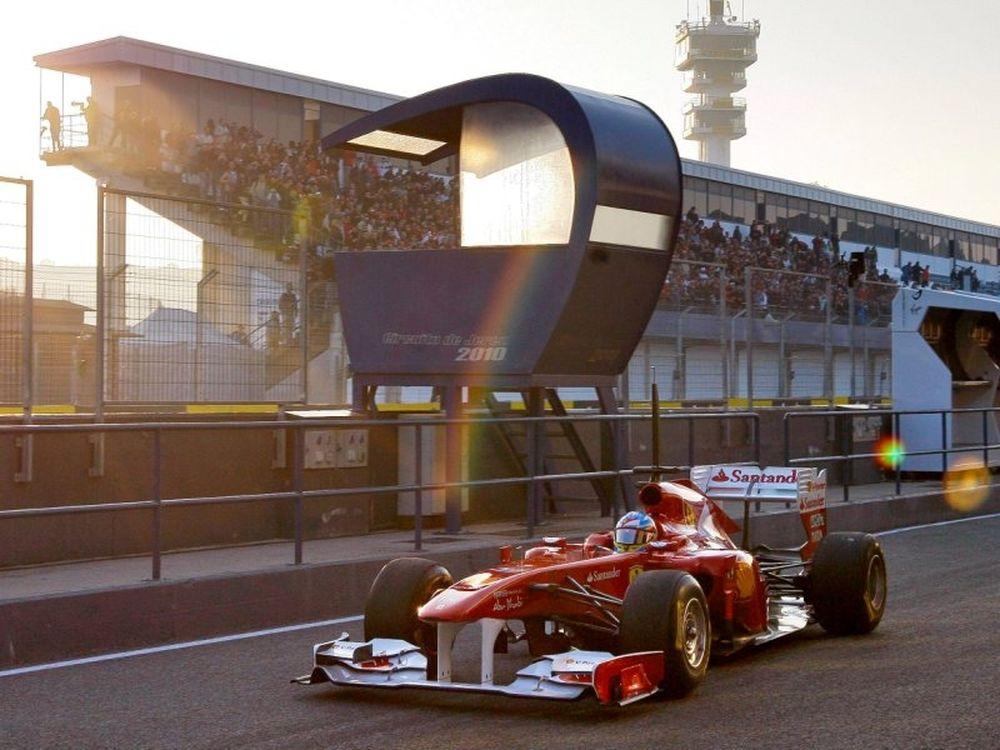 Αλόνσο ταχύτερος στη Βαρκελώνη