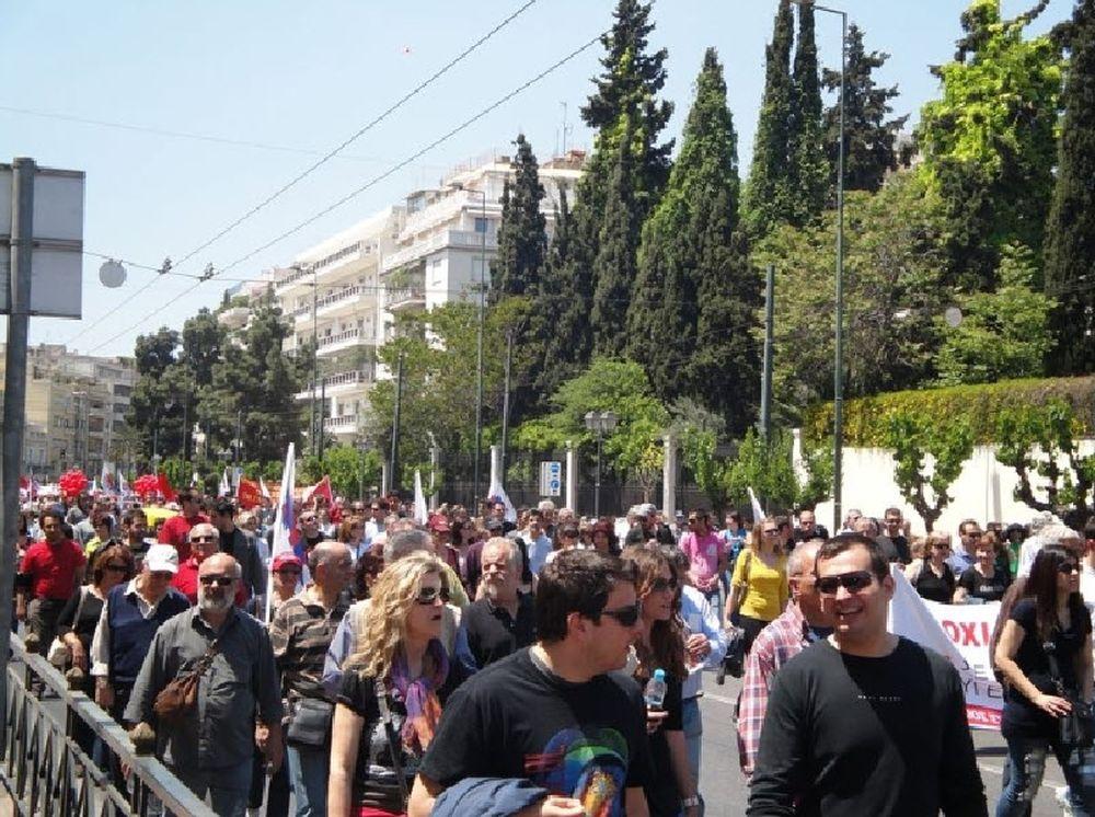 «Παραλύει» η Αθήνα