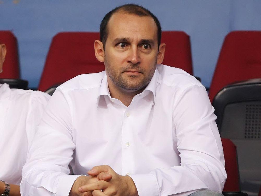 Αγγελόπουλος: «Κλείστε εισιτήρια»