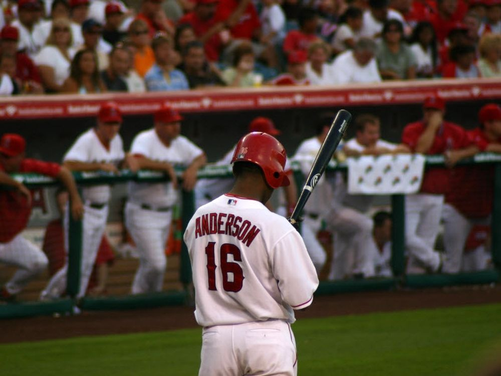 Αποσύρθηκε ο Anderson