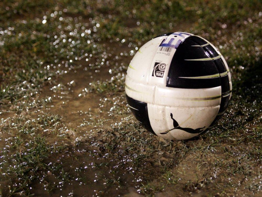 Ποδόσφαιρο στη… λάσπη