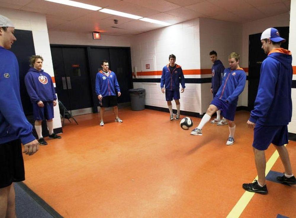 Οι Islanders παίζουν μπάλα