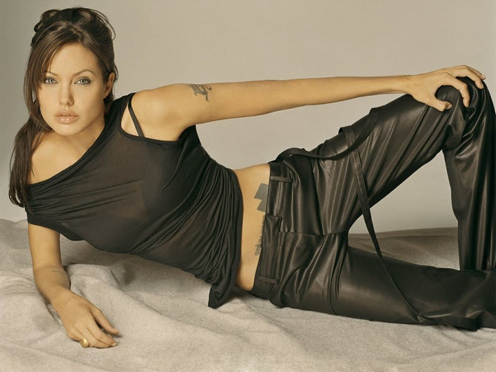 Ο μισθός της Angelina