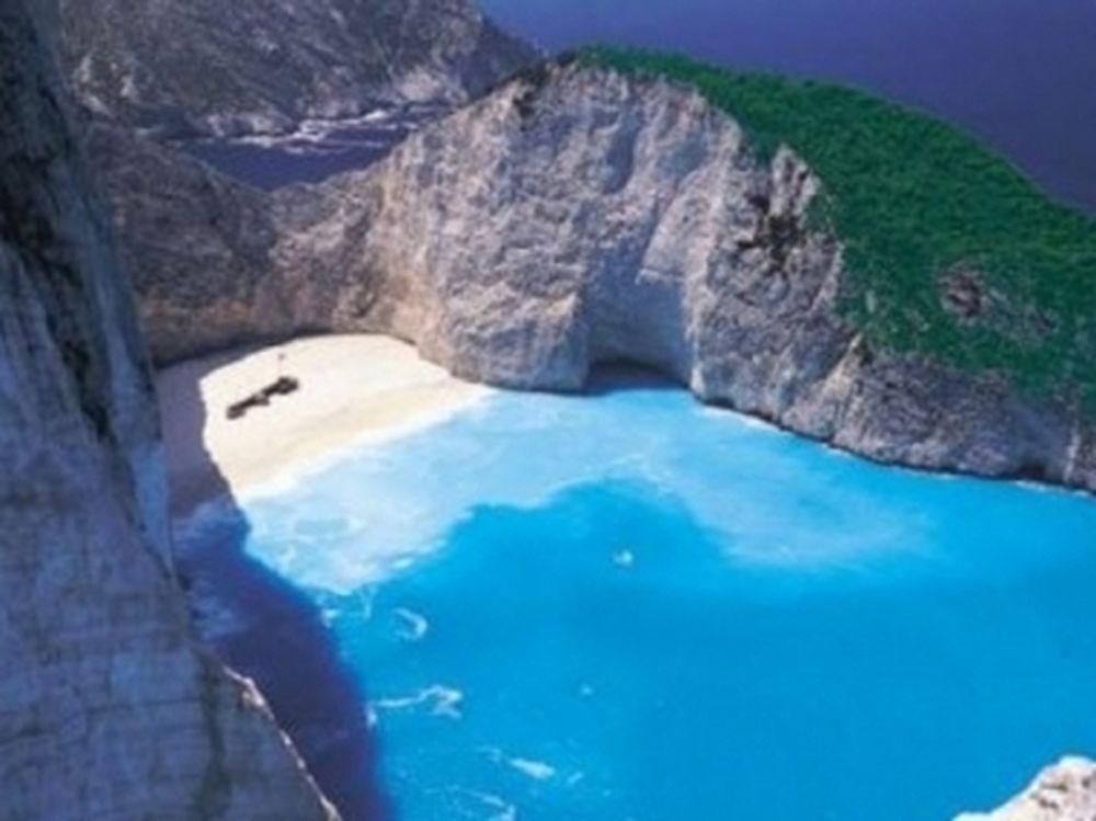 Οι Άγγλοι «πουλάνε» την Ελλάδα