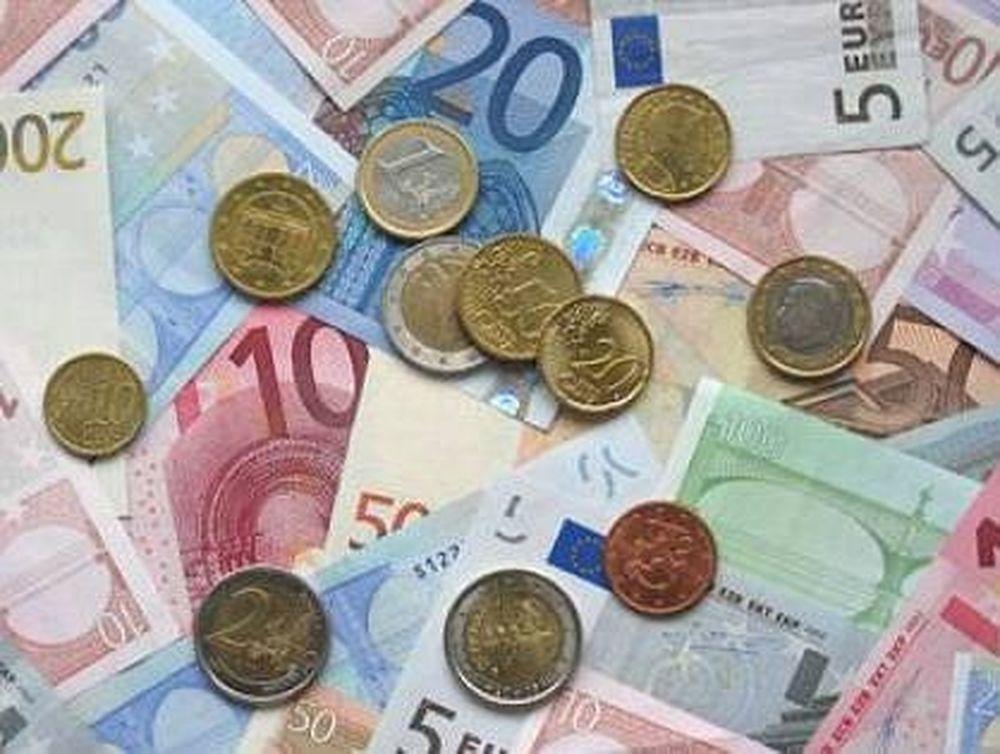 Η Πορτογαλία «ρίχνει» το ευρώ