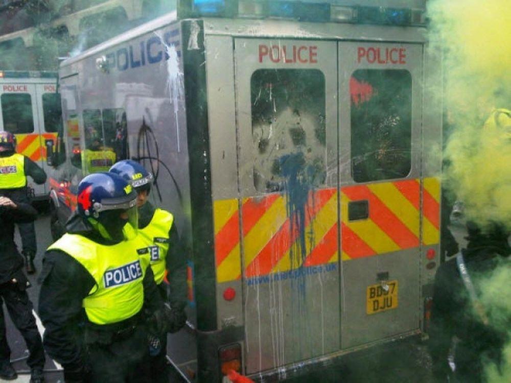 Βίαιες συγκρούσεις στο Λονδίνο