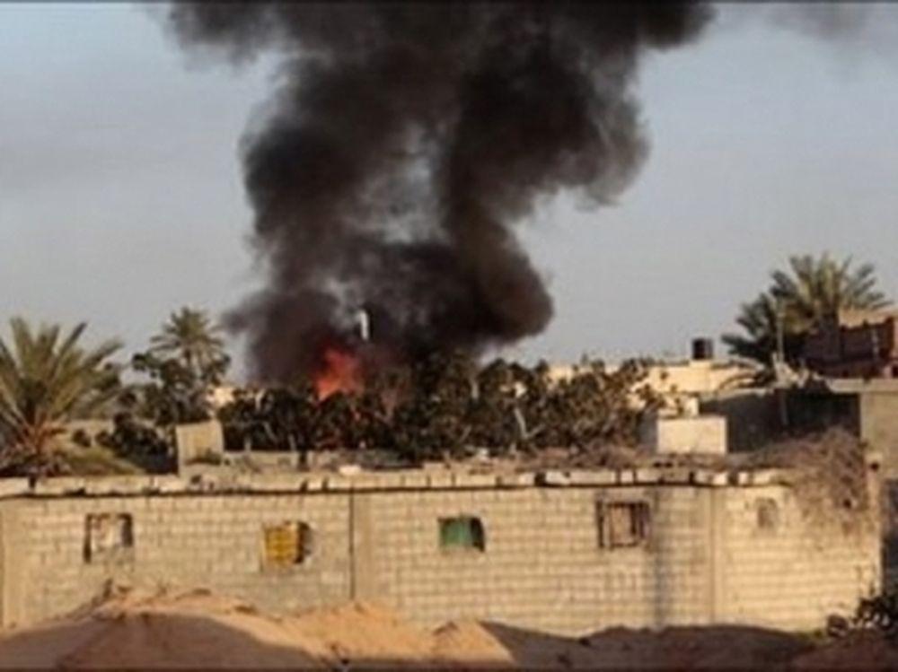 Κερδίζει έδαφος ο Καντάφι