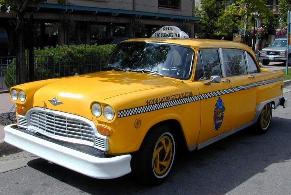 Μπήκε επιτέλους μια... taxi!