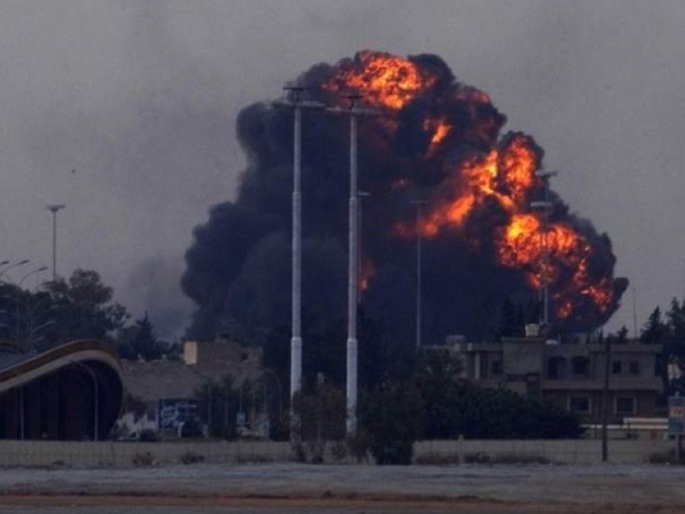 Βομβαρδίζουν ΝΑΤΟ και Καντάφι