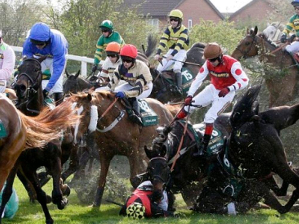 Τραγωδία σε αγώνα ιπποδρομίας!