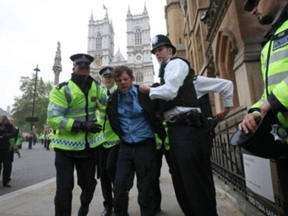 Συλλήψεις στο γάμο