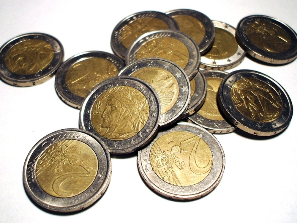 «Η Ελλάδα εκτός ευρώ»