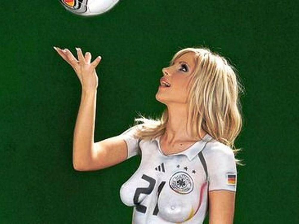 «Βαμμένη» γερμανίδα (pics)