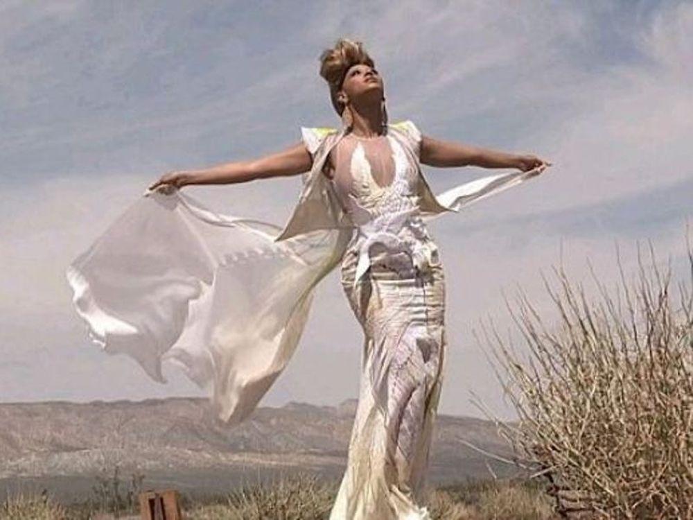Η Beyonce παρουσιάζει το «4»