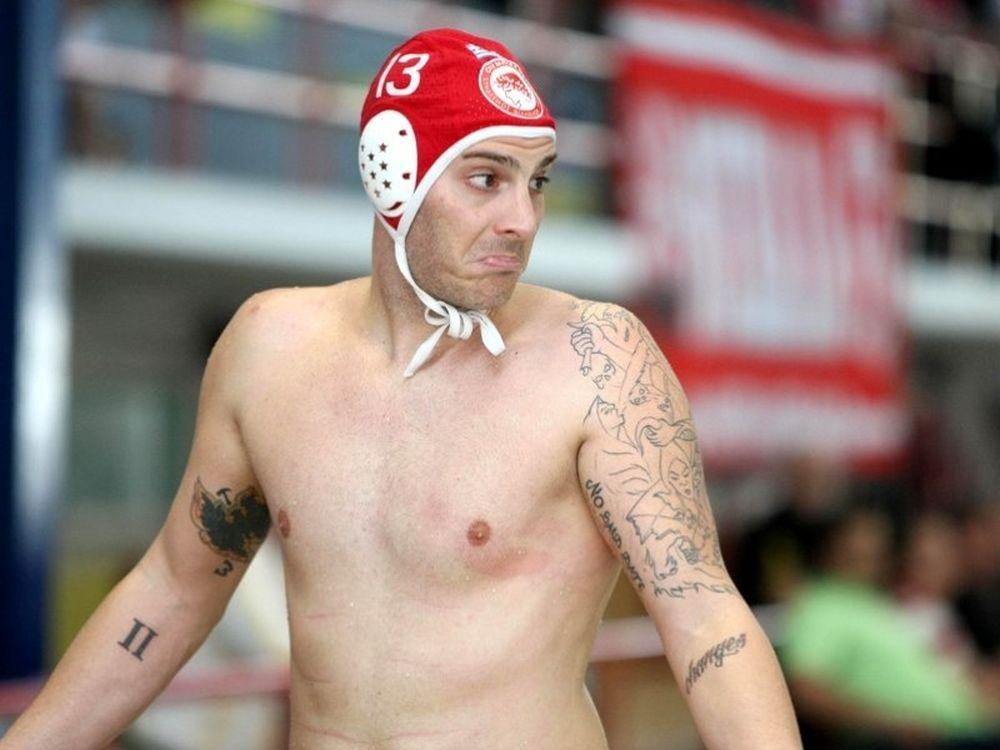 Τα τατουάζ, η ραπ και ο Ολυμπιακός