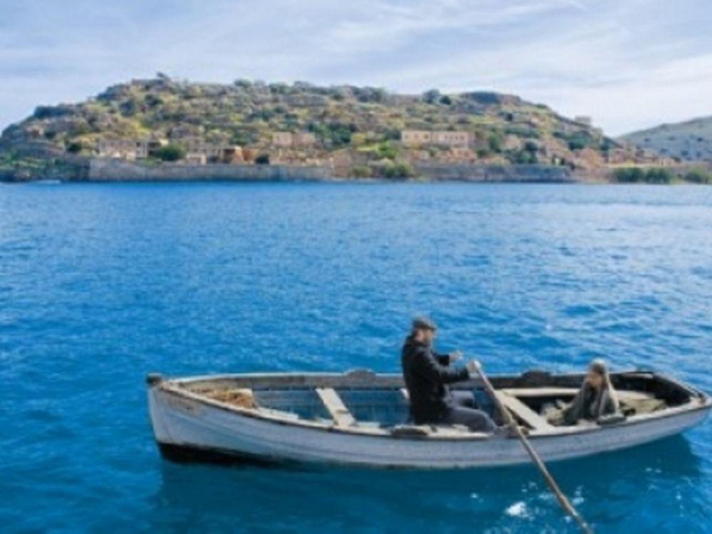 Στο άγνωστο με βάρκα την ελπίδα