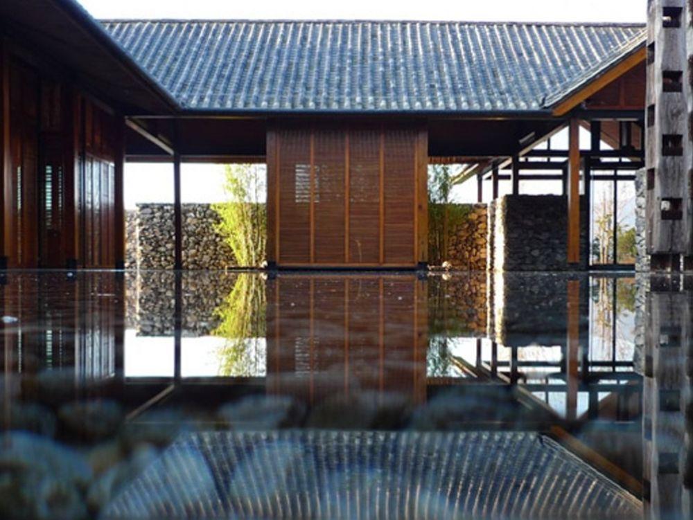 Το σπίτι στο νερό