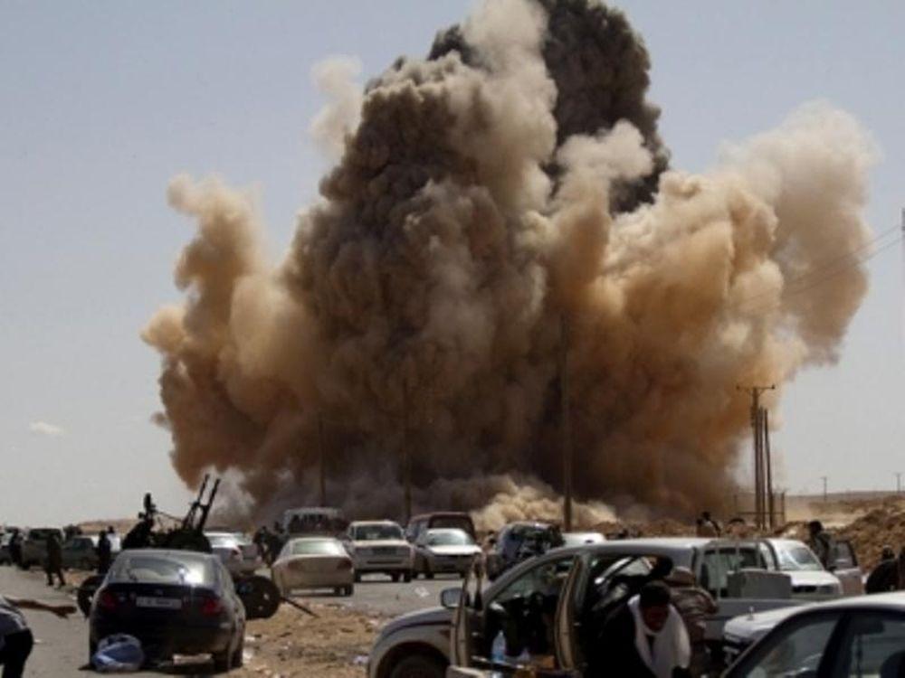 Σφοδροί βομβαρδισμοί στη Λιβύη
