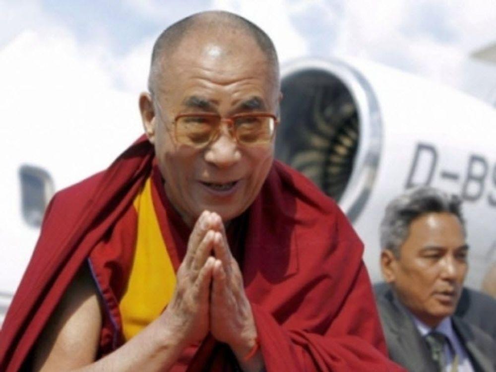 Τέλος η πολιτική για Δαλάι Λάμα