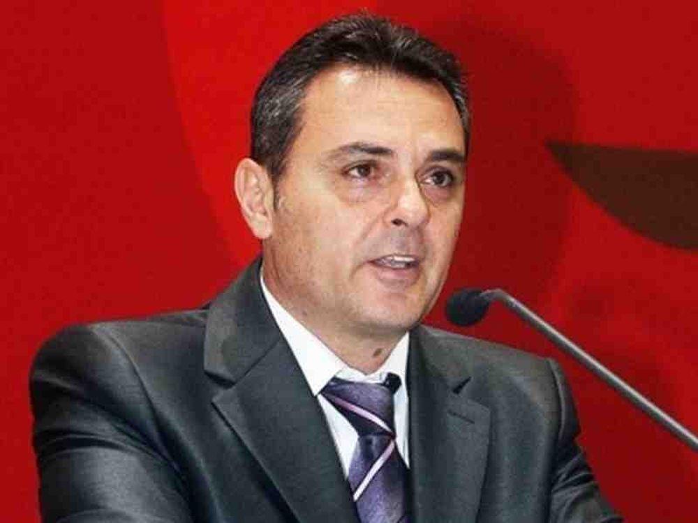 Δε ψηφίζει ο Ρομπόπουλος