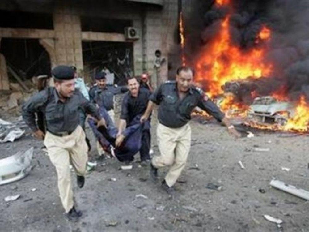 «Λουτρό αίματος» στο Πακιστάν