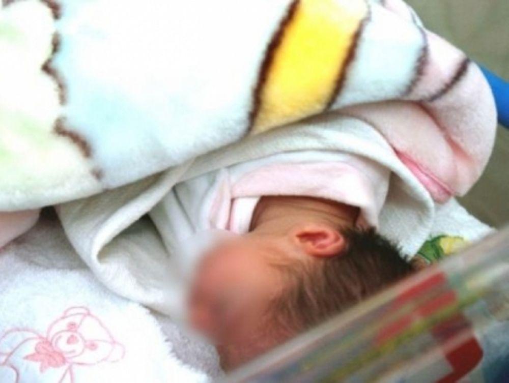 Πούλησε το μωρό της για 10.000 €
