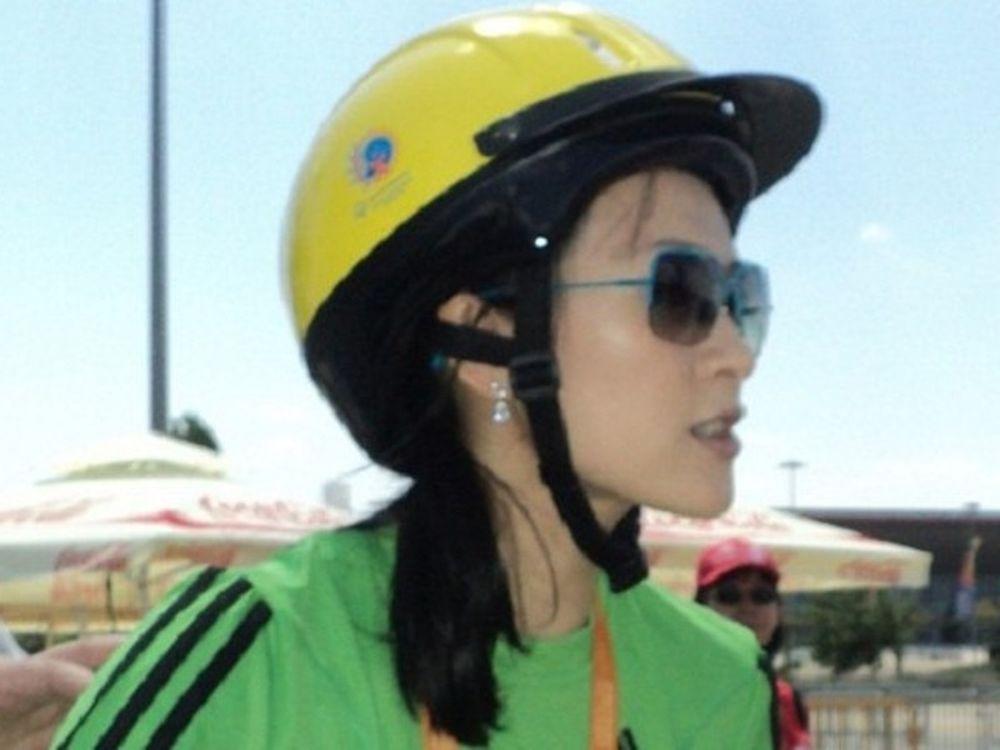 Κάνει ποδήλατο η Ζανγκ Ζιγί