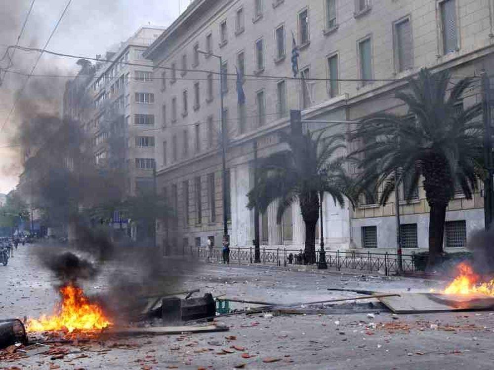 Καμένη γη η Αθήνα (vid)