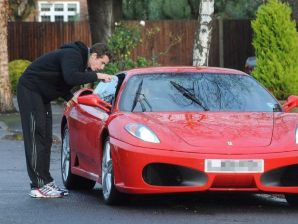 Σαν… ηλίθιος με τη Ferrari