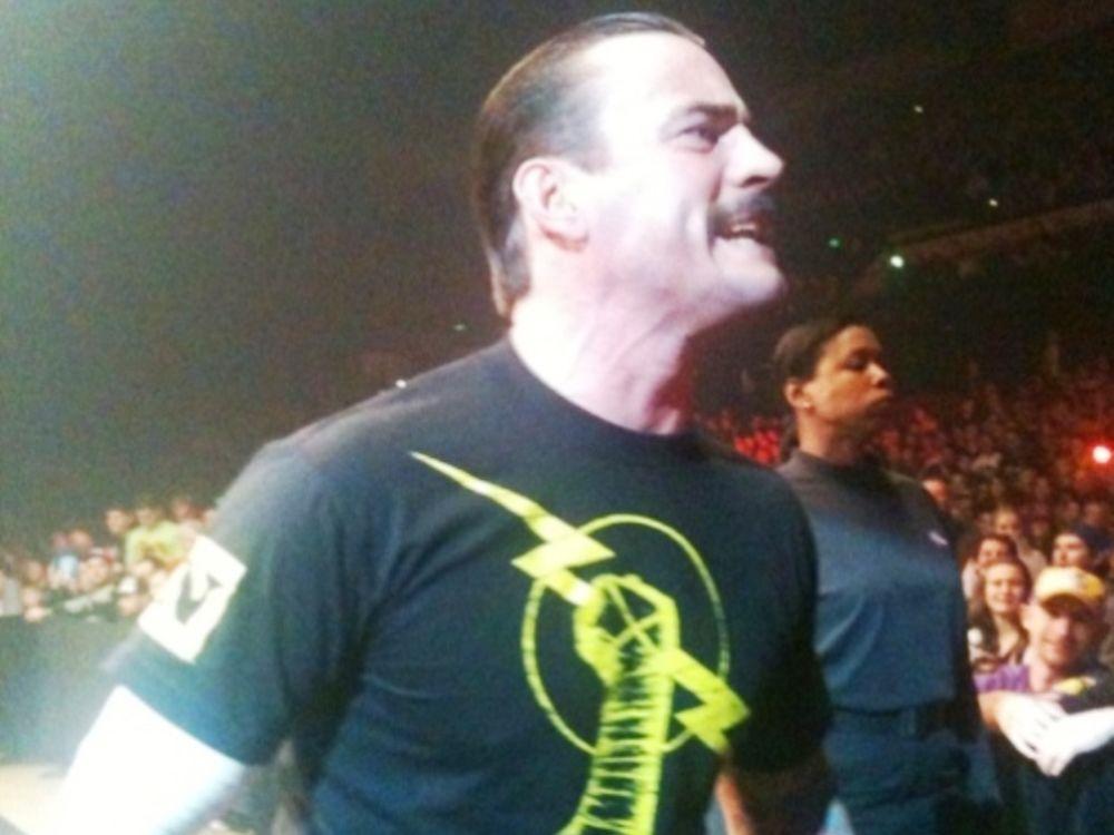 Συνεχίζει ο CM Punk