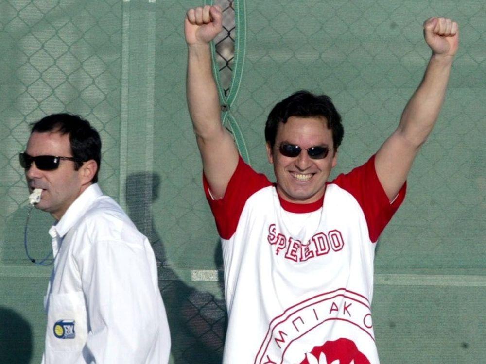 Βλάχος: «Με τιμά ο Ολυμπιακός»
