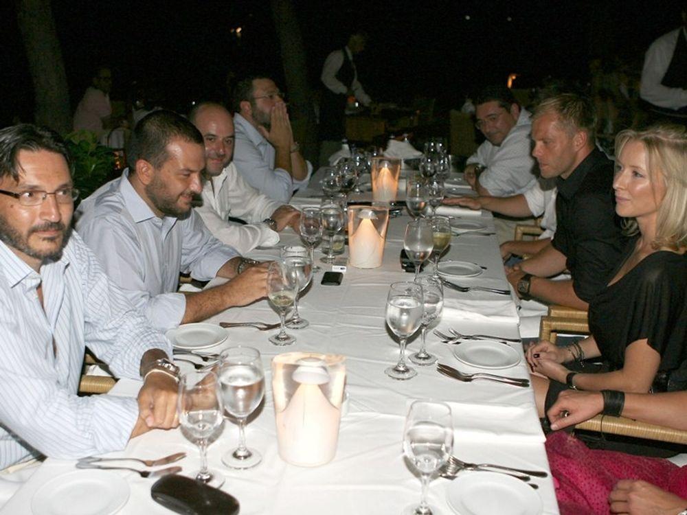 Δείπνο με Γκούντγιονσεν (photos)