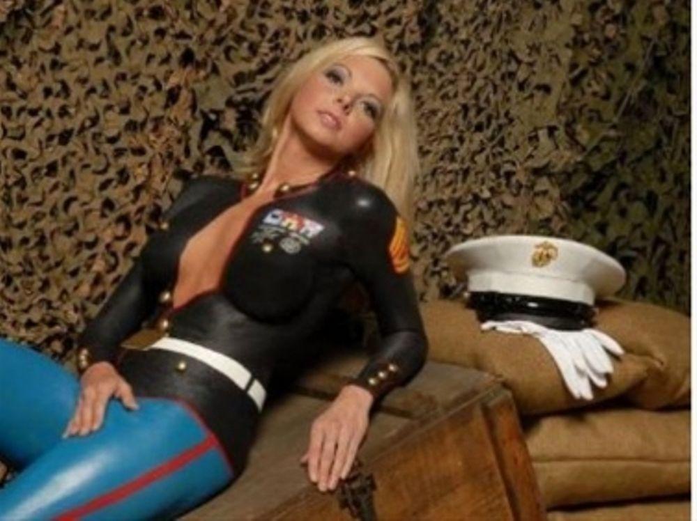 Σέξι… προσκλητήριο στον στρατό