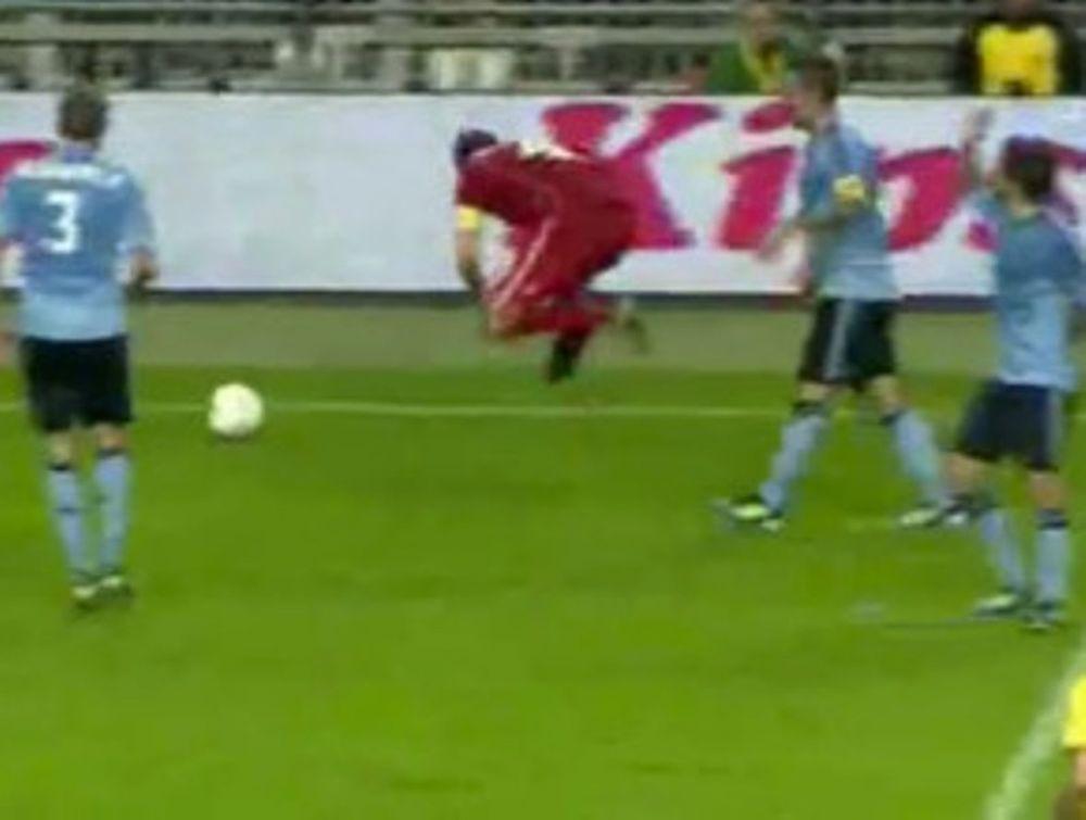 Ρεύμα χτύπησε ποδοσφαιριστή;