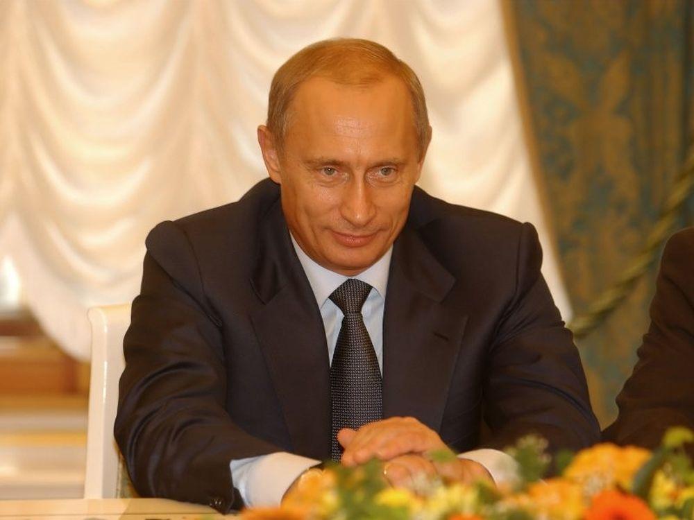 Πούτιν: «Οι ΗΠΑ ζουν με πίστωση»