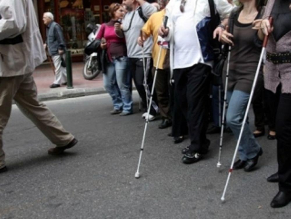 Εκατοντάδες τυφλοί «μαϊμού» σε νησί του Ιονίου