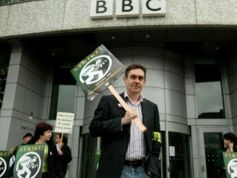 Απεργούν οι δημοσιογράφοι του BBC