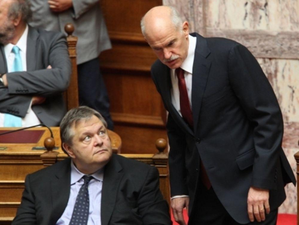 Σε πανικό η κυβέρνηση απ' την κατάρρευση των αγορών