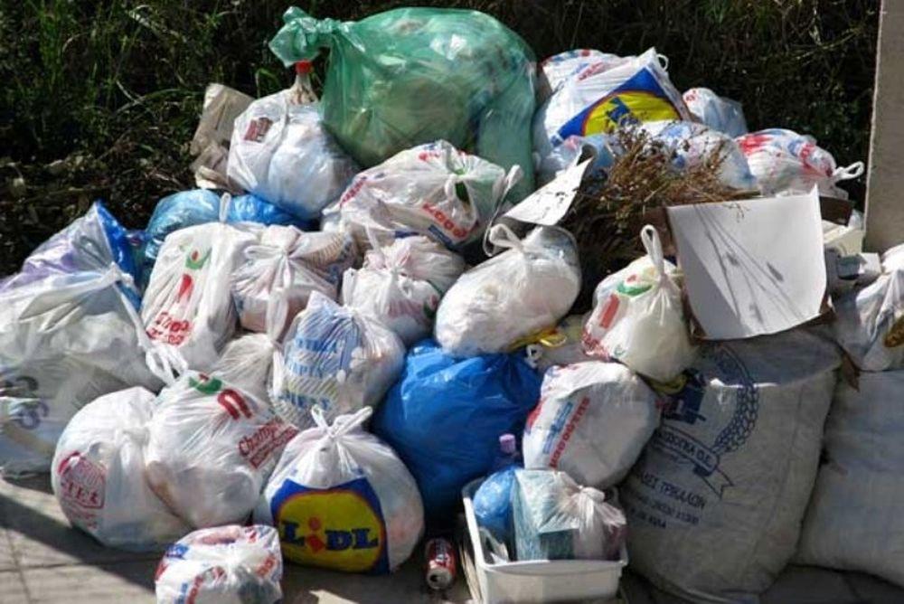 Τα σκουπίδια απειλούν και πάλι την Αθήνα