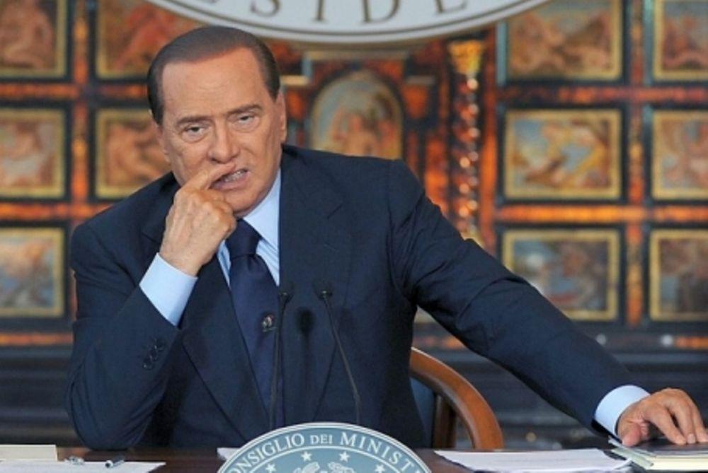 «Ο Μπερλουσκόνι παρέδωσε την εθνική κυριαρχία στην ΕΚΤ»