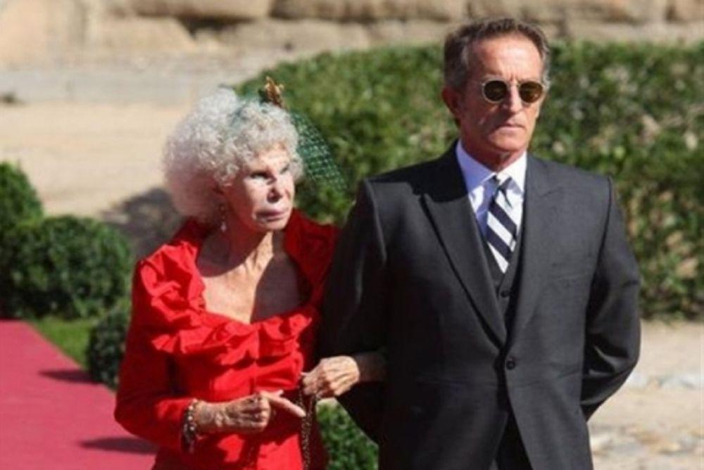 Η 85χρονη δούκισσα που τα αφήνει όλα για τον... έρωτα!