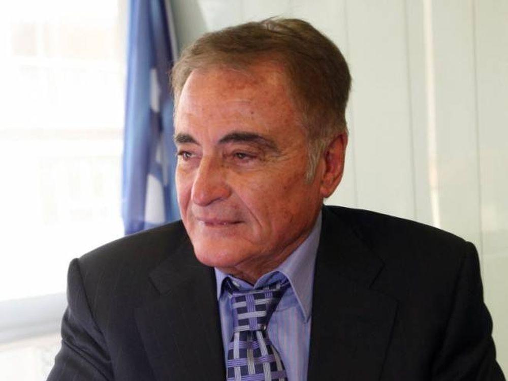 Γιδόπουλος: «Αν ανέβει η Νίκη παραμένω»