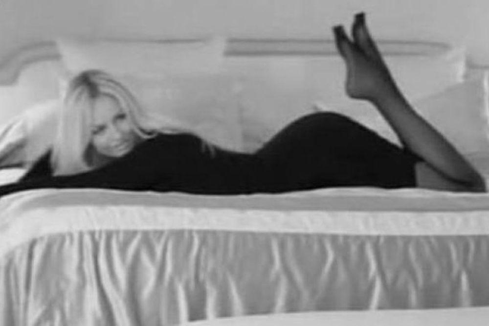 «Στο κρεβάτι με την… Αντριάνα»