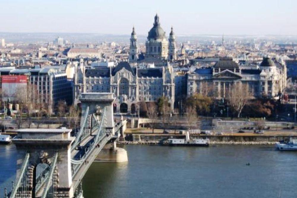 Εκτός υποψηφιότητας η Βουδαπέστη