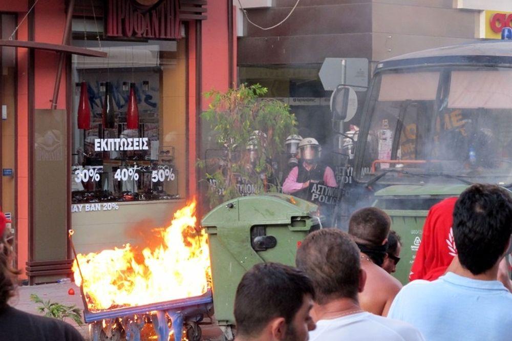 Στις φλόγες ο Βόλος! (video + photos)