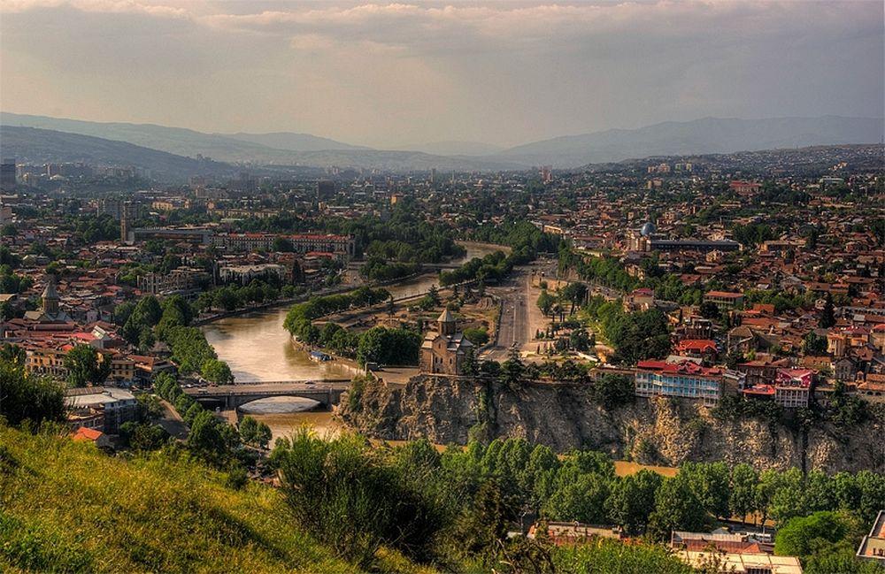 Τιφλίδα, μια πόλη «παγωμένη» στον χρόνο